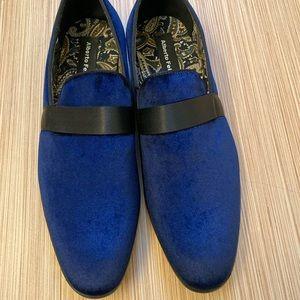 NIB Men's blue velvet shoes